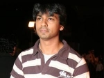 Nikhil Dwivedi Riding High Shor Rave Reviews 300611 Aid