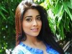 Shreya Saran Mobbed Rowthiram 010711 Aid