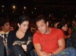 Salman Khan Asin Eat Bug Ready Sets