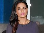 Veena Malik Lashes Media