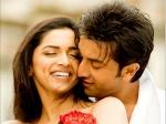 Deepika Padukone Smooch Ranbir Kapoor Ayan