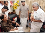 Cm Oommen Chandy Meet Jagathy Sreekumar Photos