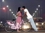 Ponmaalai Pozhudhu Movie Review