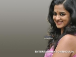 Nanditha Finds Malayalam Difficult London Bridge Movie