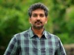 Rajamouli Release Santhanam Vallavanuku Pullum Aayudham Audio