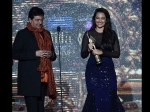 Shatrughan Sinha Gets Prestigious Award By Hands Of Beti Sonakshi