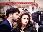 Shahid Kapoor Turns Stylist For Dad Pankaj Kapur In Shaandaar