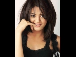 Surveen Chawla Performs Special Number In Welcome Back