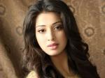 Raai Laxmi Attacks Trisha