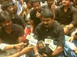 New Enemy Against Rajinikanth S Lingaa Director Seeman Supports Distributors