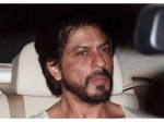 Shahrukh Khan Recovering After Knee Surgery