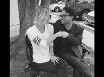 Kaley Cuoco And Johnny Galecki Caese Dating Rumours Via Instagram Post