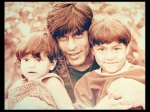 Rare And Adorable Pics Of Shahrukh Khan With His Kids