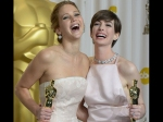 Anne Hathaway Defends Jennifer Lawrence Says She Was Dryly Joking Golden Globes