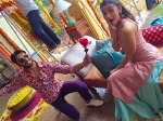 Ranveer Singh Goes Down On His Knees For Alia Bhatt And Gives Her Rose