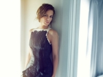 Kate Beckinsale Calls Her Co Star Theo James Unattractive