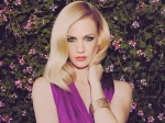 January Jones Doesn T Feel The Need Of A Partner In Her Life