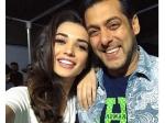 Amy Jackson First Selfie With Salman Khan