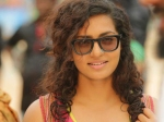 Parvathy All Set To Make Her Bollywood Debut