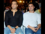 Salman Khan Manager Reshma Shetty Creates Problems Between Him Sohail Khan