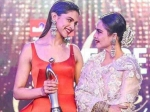 How Sweet Deepika Padukone S Reaction When Rekha Showered Her With Praises
