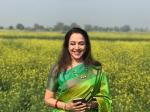 Hema Malini Visits Mustard Fields