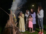 Aishwarya Rai Bachchan Aaradhya Bachchan Celebrate Holi With Amitabh Bachchan Inside Picture Jalsa