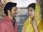 Sui Dhaaga Varun Dhawan And Anushka Sharma Have Eyes Only For Each Other In This New Still