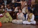 Durga Ashtami Amitabh Bachchan Jaya Shweta Bachchan Step Out For Puja