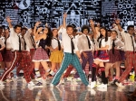 The Jawaani Song From Student Of The Year 2 Tiger Tara Ananya Aditya Have A Blast On The Dance Floor
