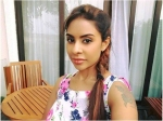Sri Reddy Learns That Pawan Kalyan Is No 1; Shocking Deets Inside!