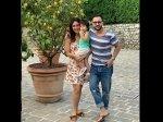Saif Ali Khan Kareena Kapoor Khan And Taimur Perfect Family Moment Under The Tuscany Sun Is Cute