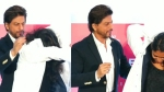 Netizens Hail SRK As 'King In True Sense' For Helping A Student Whose Hair Got Caught In A Coat