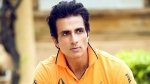 A Fan Performs Aarti Of Sonu Sood's Picture After Reuniting With His Mother; The Actor Reacts Humbly