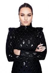 Beauty In Black: Sonakshi Sinha