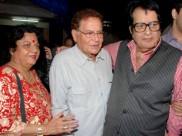 Salim Khan Votes For Manoj Kumar