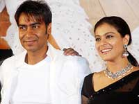 Ajay and Kajol romanticise Little Champs