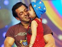 Salman at VOI Chhote Ustaads