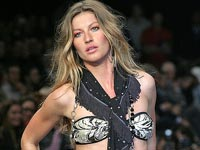 Gisele Bundchen on the catwalk