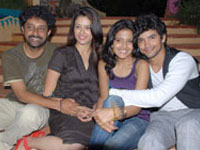 Cast of Houseful