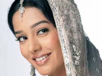 Actress Amrita Rao Debut Kannada Film Naticharami Mahesh Babu