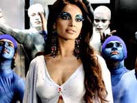 I don't look at other girls' bodies :  Bipasha Basu,