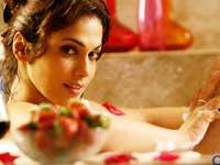 Isha Koppikkar is very easy going  :  Arav Chowdhary, Actress
