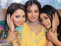 Adaa Khan, Alisha Khan and Ojaswi Oberoi