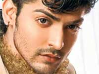 Gurmeet doesn't forget to call his off screen Geet