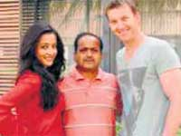Raima Sen and Brett Lee
