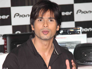 Shahid at Pioneer press meet