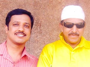 Janardhana Rao Salanke with Late actor Dr. Vishnuvardhan