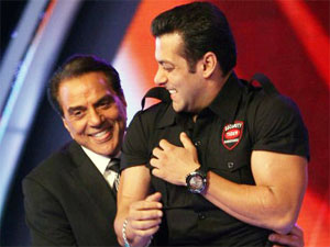 Salman as Dharm's Bodyguard on IGT 3