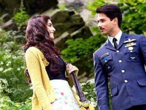 Shahid and Sonam Kapoor in Mausam